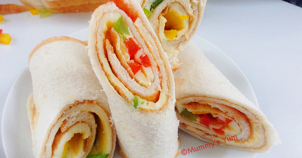 egg and peppers bread roll